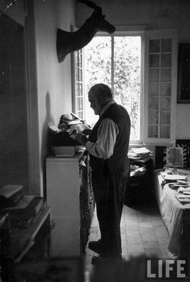 Hemingway Standing Desk